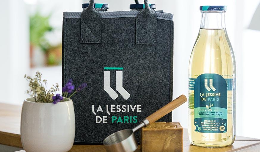 Une lessive dans des bouteilles consignées pour lutter contre les déchets des bidons en plastique