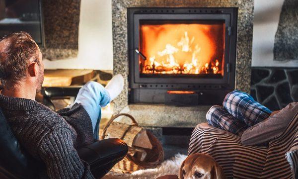 Le top down : une méthode surprenante pour allumer un feu de cheminée, plus écolo et plus économique