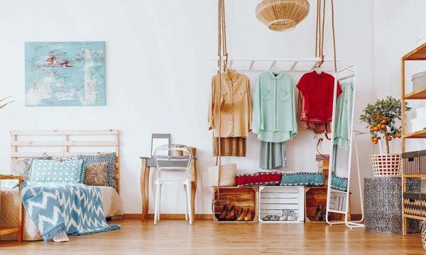 7 idées pour ranger vos vêtements avec style mais sans vous ruiner