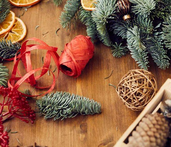 Comment créer une déco de Noël végétale qui tienne le plus longtemps possible ?
