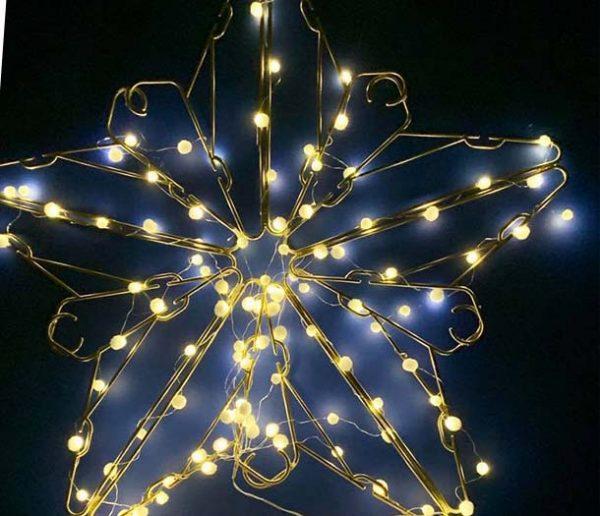 Tuto de Noël : Fabriquez une étoile lumineuse avec des cintres !