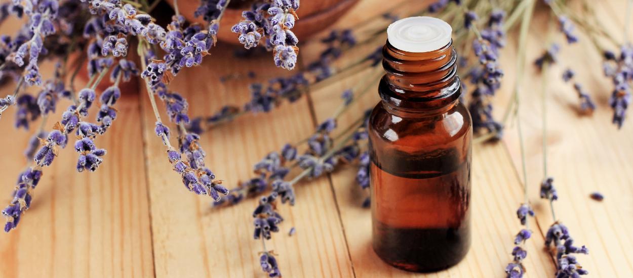 Faut-il éviter les huiles essentielles dans les produits ménagers faits maison ?