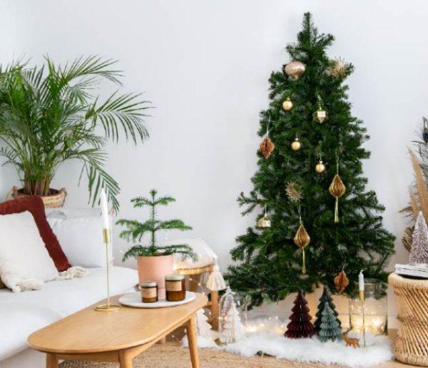 Tuto : Réalisez un vrai/faux sapin de Noël gain de place