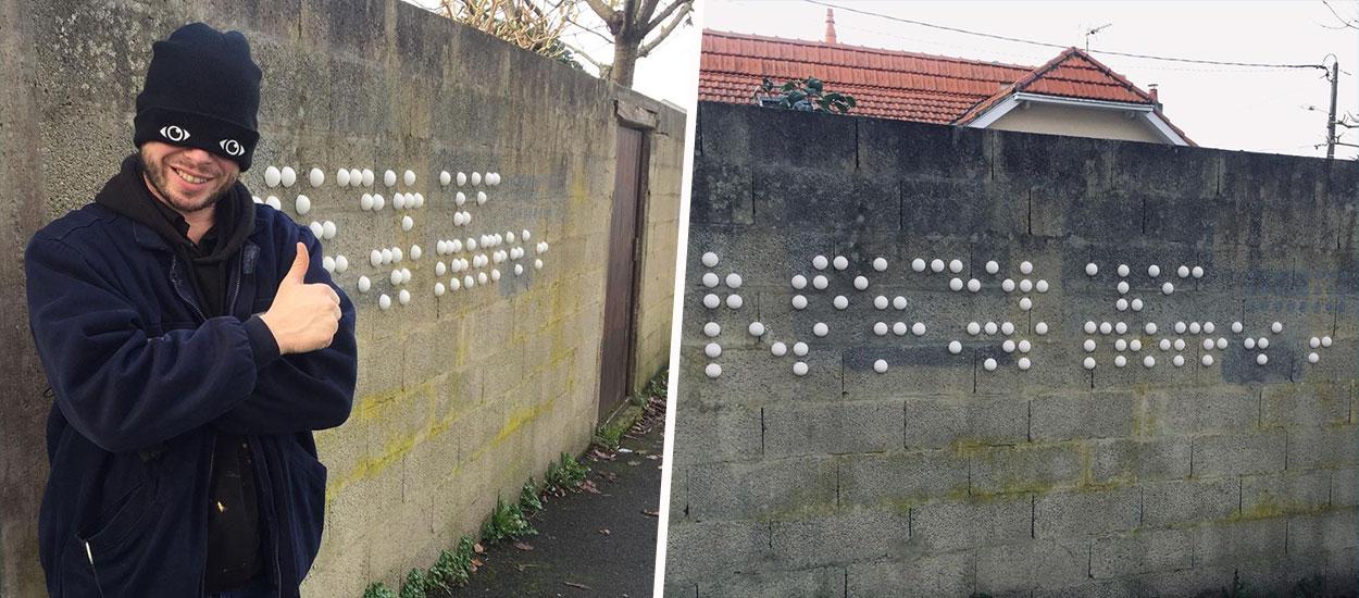 Ce street-artiste nantais fait des graffitis en braille pour que tout le monde en profite