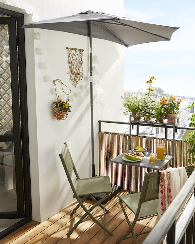 Parasol de balcon table et chaises