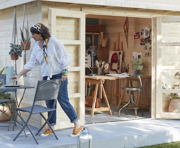 Transformez votre abri de jardin en atelier créatif