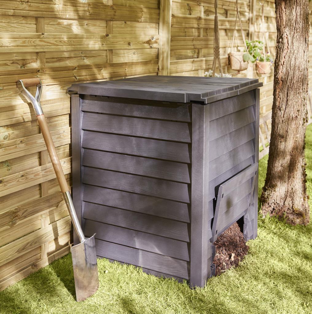 compost dans jardin