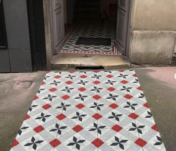 Cet artiste peint de faux carreaux de ciment pour égayer les trottoirs