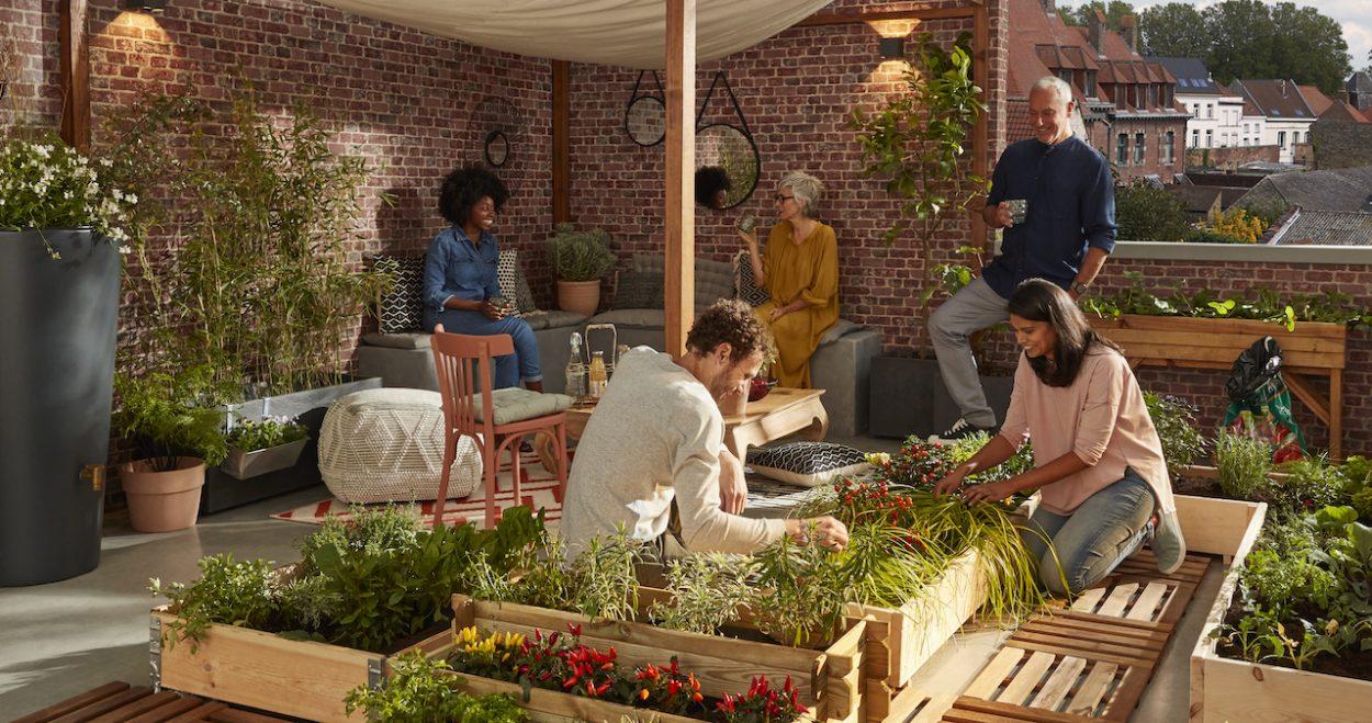 Et si vous aménagiez un jardin partagé avec vos voisins d'immeuble ?