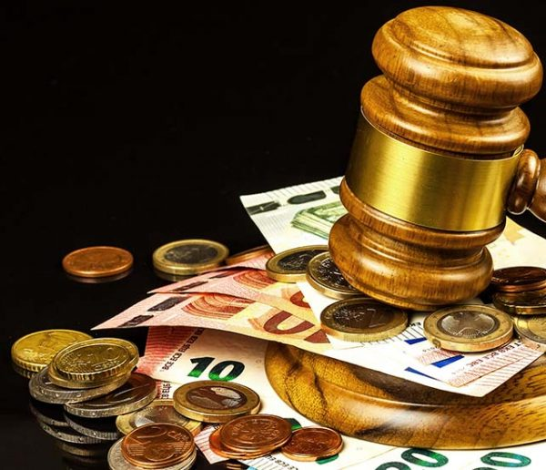 Un homme condamné à  verser 60 000 € à son ex-femme car il n'a jamais fait le ménage