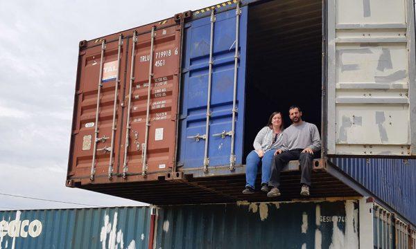 Mécanicien moto, il bâtit sa maison sur mesure avec cinq containers