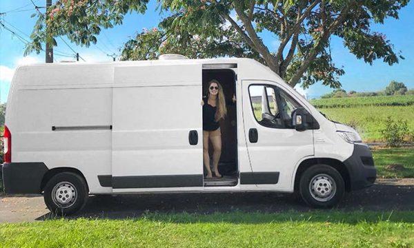 À 30 ans, elle a tout quitté pour devenir architecte d'intérieur spécialisée dans l'aménagement de vans