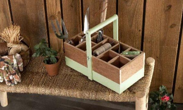 Tuto : Fabriquez une caisse à outils de jardin  (pour avoir tout le nécessaire à portée de main !)