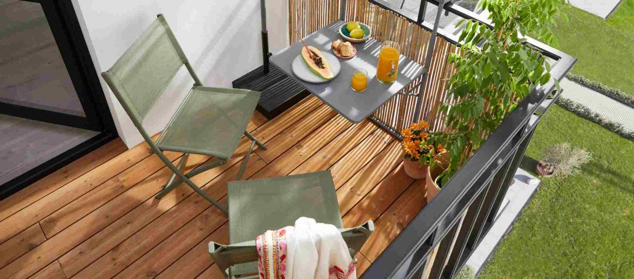 Comment aménager un petit balcon en longueur ?