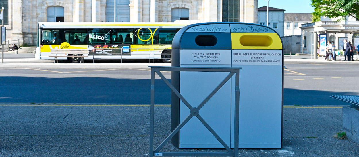 La Rochelle est la première ville à expérimenter les petites poubelles de tri dans la rue