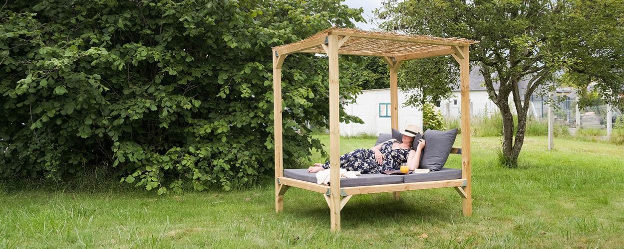 Tuto : fabriquez un lit d'extérieur ombragé