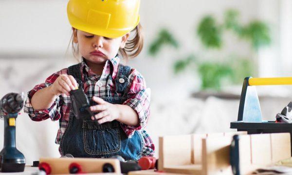 Comment initier les enfants au bricolage ? (Et ça n'est pas réservé aux petits garçons)