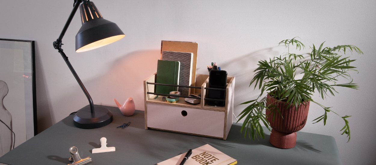 Tuto : Réalisez un organiseur de bureau avec un espace pour recharger votre téléphone